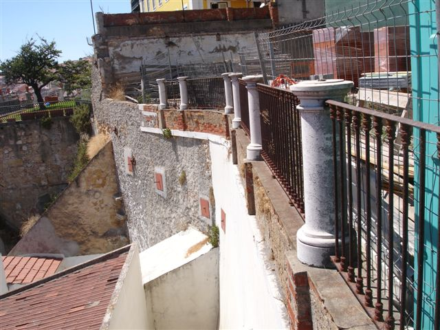 RETAINING WALL IN LISBON